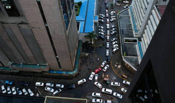 Tráfico en Nairobi, Kenia. Foto: El País