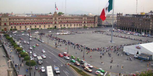El Zócalo de la Ciudad de México es el tercero más grande del mundo.