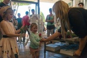 Kid-in-Glendora-Florist2
