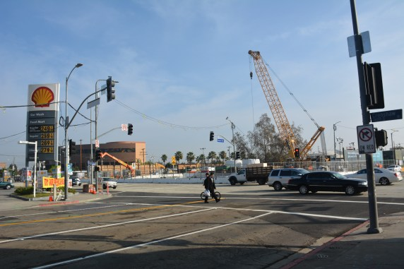 Crenshaw Boulevard and Rodeo Road are back to normal traffic after Metro finished decking operations for the future Crenshaw/Expo underground station. Photo: Jose Ubaldo/Metro)