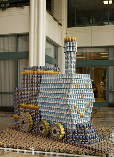 The Little Engine via Canstruction LA Official Facebook