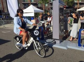 Metro and its bike share vendor Bcycle demonstrate how the future bike share kiosks will work.