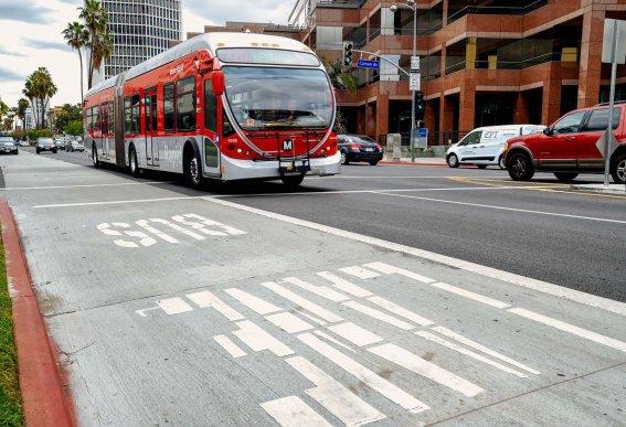 Metro Rapid 720 bus along newly opened peak hour bus lanes on Wilshire Boulevard.