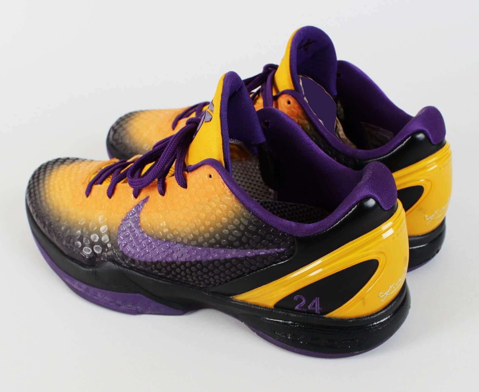 2010-11 Los Angeles Lakers - Kobe Bryant Worn Shoes Custom Mamba Snake NIKE iD Zoom VI Sneakers   Memorabilia Expert