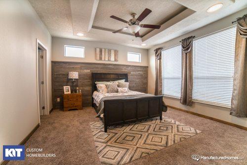 small resolution of grand manor 6009 bedroom