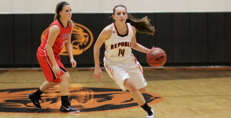 Jordan Kabetske drives in the 2nd half. She finished with 21 points.