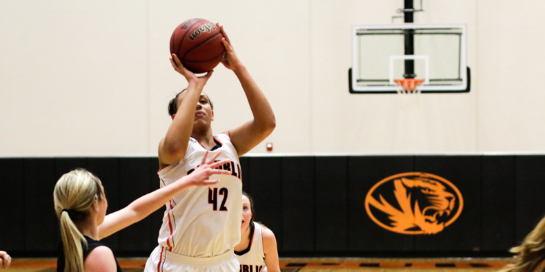 Lady Tigers March Past Wildcats