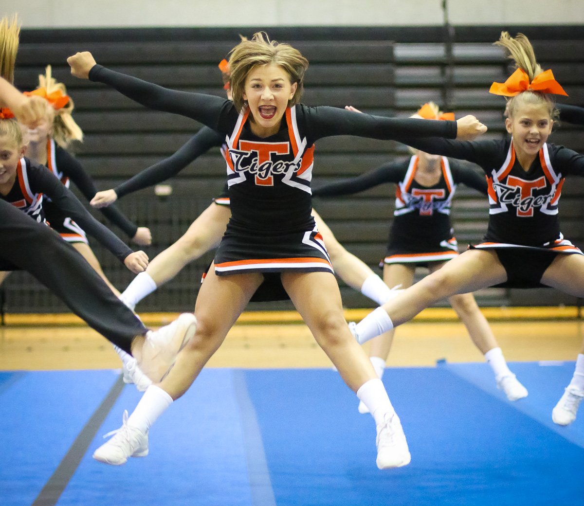 Photos: Cheer Showcase 2016 – Middle School
