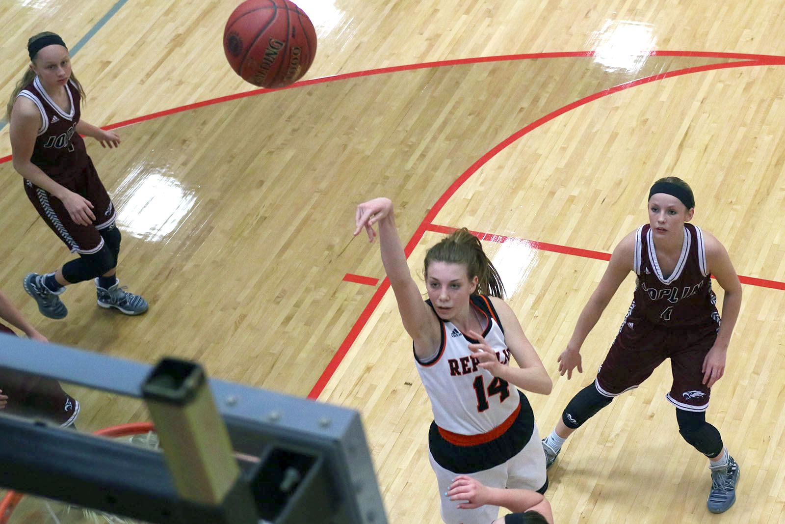 Lady Tigers Out-run Joplin In District Opener
