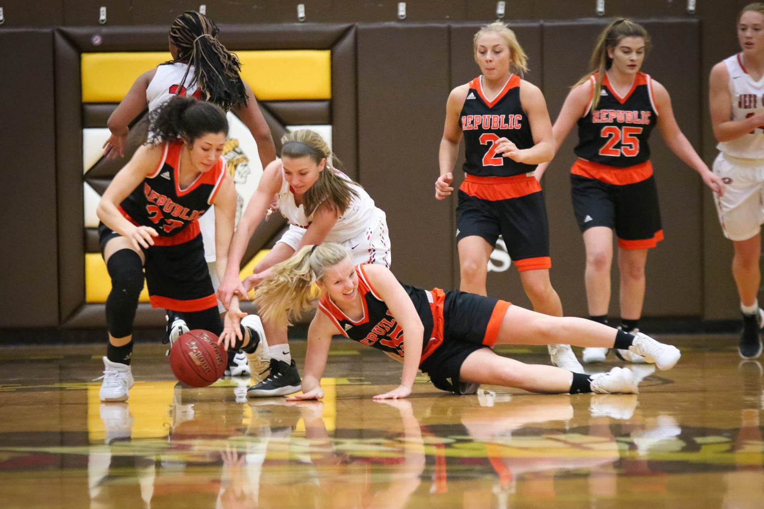 Photos:  Varsity Girls Basketball vs Jeff City