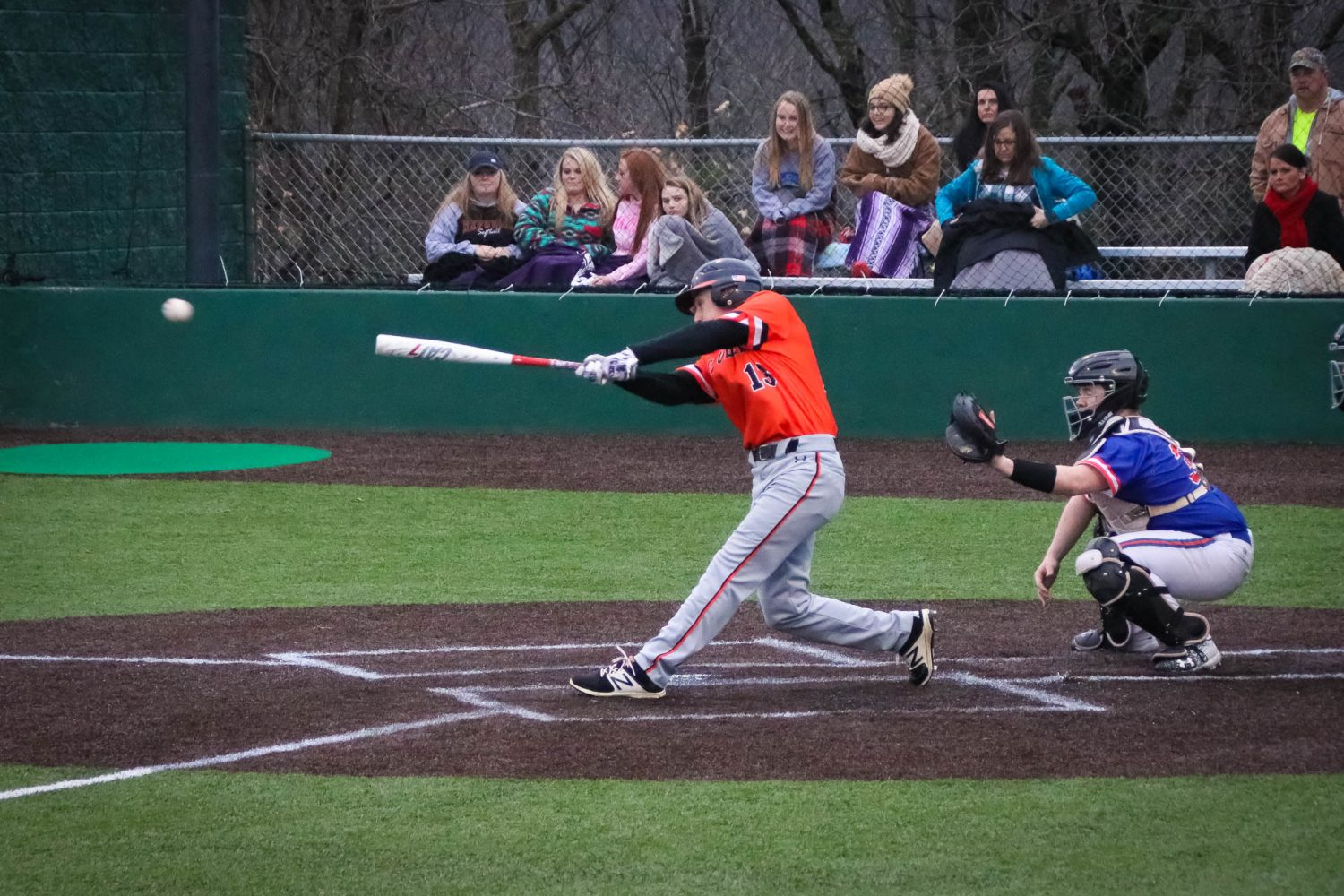 Tigers Squash Hornets In 5-Inning Romp