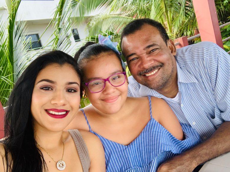 Su hija Kimberly, actualmente es directora de los medios de comunicación que fundó su padre. LA PRENSA/CORTESÍA