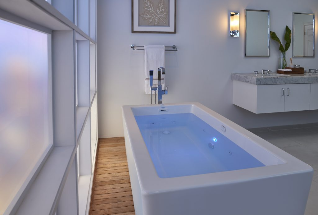 Bianca Freestanding Whirlpool Tub  For Residential Pros