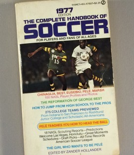 1977 THE COMPLETE HANDBOOK OF PRO SOCCER