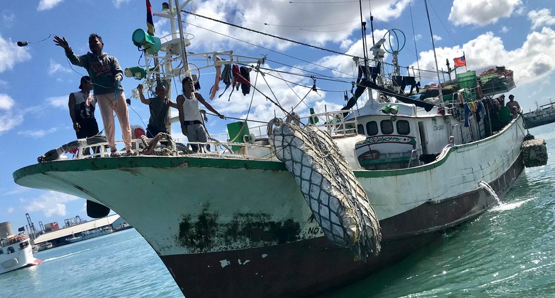 Longline tuna vessel
