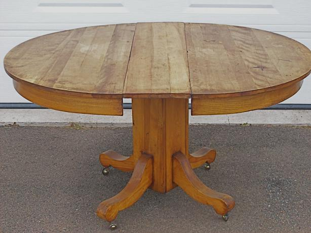 Oval Kitchen Table  freeringtonesqic