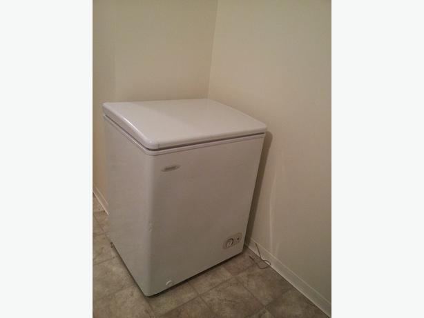 EUC  danby apartment size deep freezer  no delivery available sorry Port Alberni Ucluelet