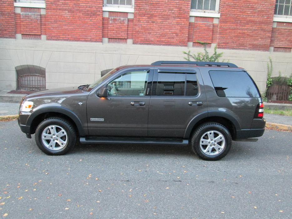 2007 Ford Explorer XLT - LOCAL - NO ACCIDENTS! - 7 ...