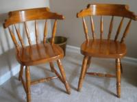 Solid maple captain chairs Duncan, Cowichan