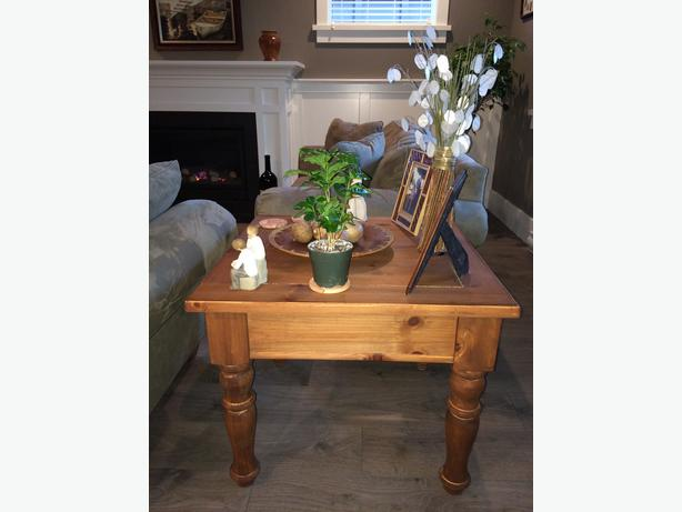"""Fabulous Solid Wood Living Room End Table 28""""x28""""x23"""" West"""