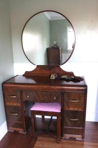 Antique 1950s Waterfall Bedroom Set Courtenay, Campbell ...