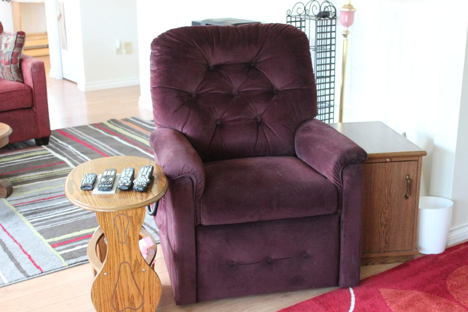 lift chair edmonton alberta high converts to table and la-z-boy courtenay, comox valley