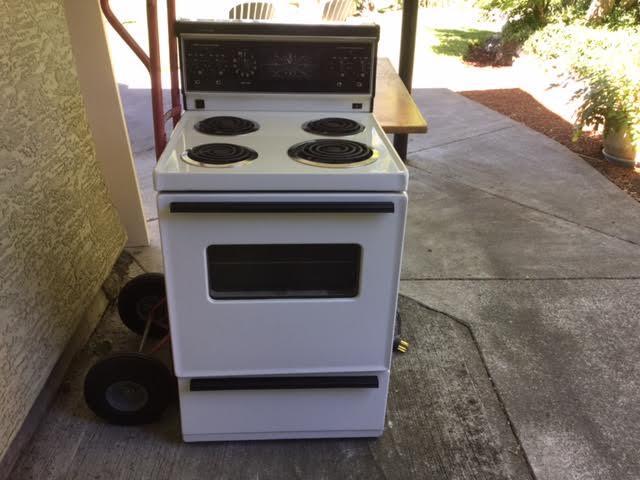 Apartment size stove and range hood Esquimalt  View Royal