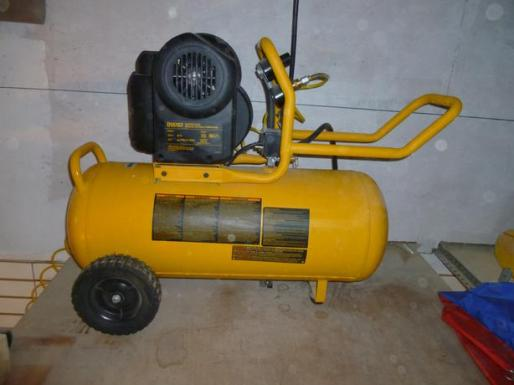 DEWALT D55167 Air Compressor