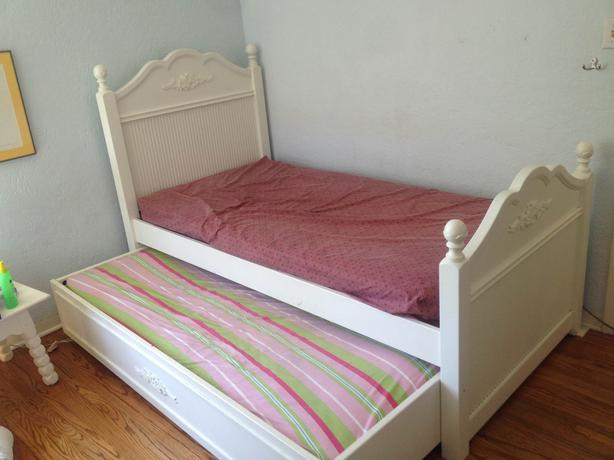 cafe kid furniture cafe kid white trundle bed saanich 10973