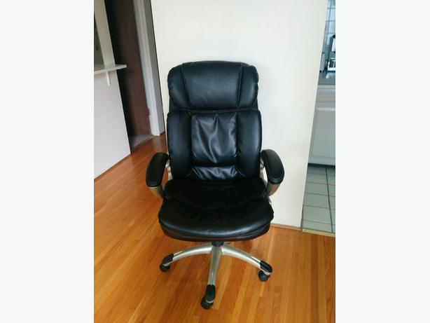 Black Broyhill managerial office chair Vancouver City