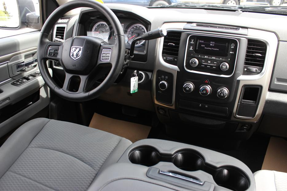 Factory Dodge Cd Player 2017