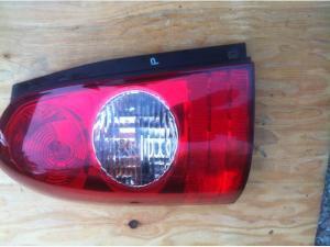 20022003 MAZDA MPV LX DRIVER SIDE TAIL LIGHT Victoria