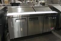 New Salad Pizza Prep Tables - Overstock Auction Outside ...