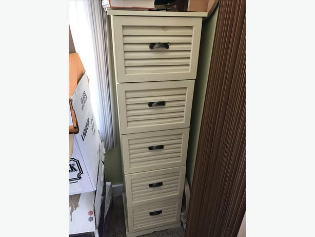 Five drawer wood file cabinet Campbell River, Courtenay Comox