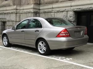 2003 Mercedes Benz C240 Victoria City, Victoria  MOBILE