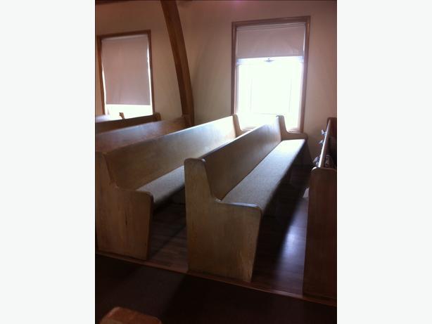 free church pews west