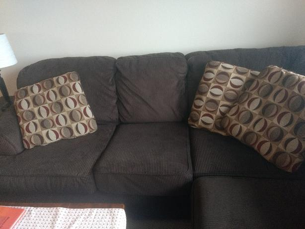 sectional sofa couch city black friday euc 3 piece esquimalt view royal victoria