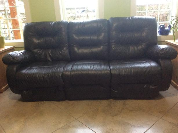 electric recliner sofa not working gray fabric sectional sofas reclining outside victoria