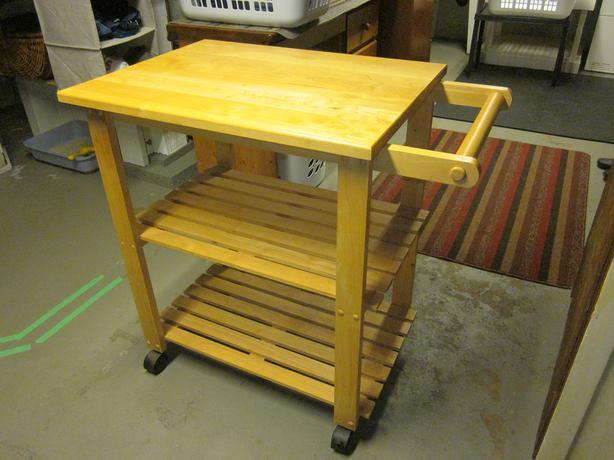 kitchen work station cabinet crown molding rolling saanich victoria