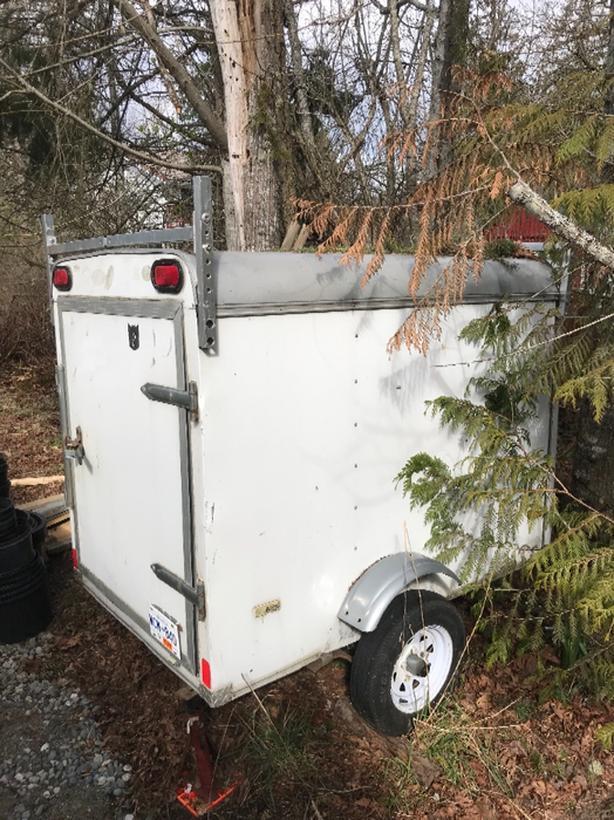 4x6 cargo trailer with roof racks