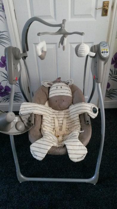 graco swing chair zebra round recliner ziggy swinging wednesbury sandwell