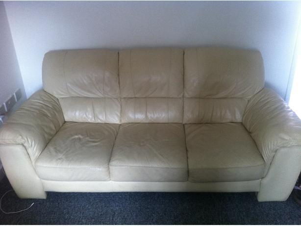 3 Seater Cream Leather Sofa £50 Ono Pelsall, Wolverhampton