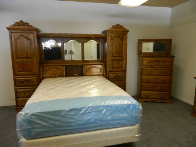 BEBE SOLID OAK BEDROOM SET PIER WALL UNIT BOISE IDAHO