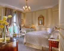 Le Meurice Luxury Hotel In Grand Hotels Paris