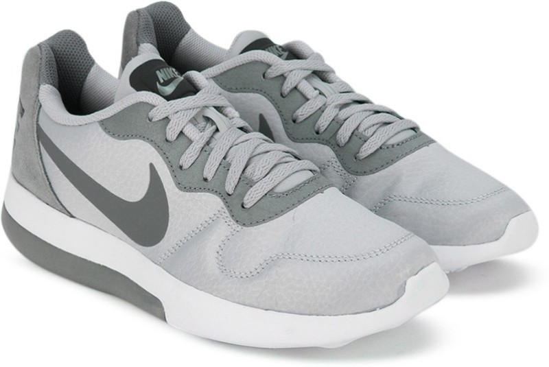 Nike WMNS NIKE MD RUNNER 2 LW Running Shoes(Grey)