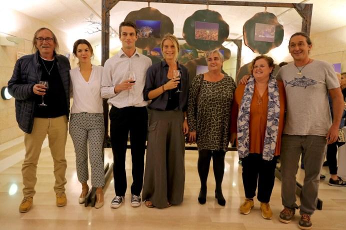 El fotográfo Eduardo Miralles, la coordinadora del proyecto, Los artistas Nicholas Taylor and Emma Glinski, Alcaldesa de Andratx Katia Rouarch, Regidora de cultura Ruth Mateu, fundador de la Fundación Save The Med Brad Robertson
