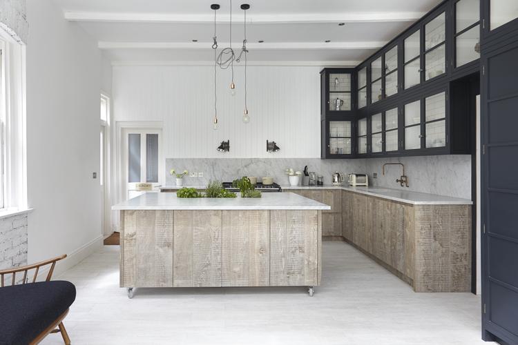 Gorgeous white kitchen, white kitchen design