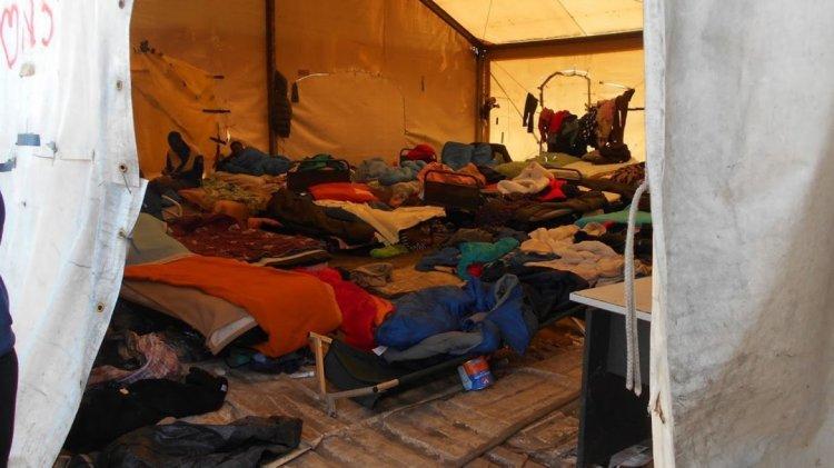 Campo de refugiados Calais. Crédito Daniel Wizemberg