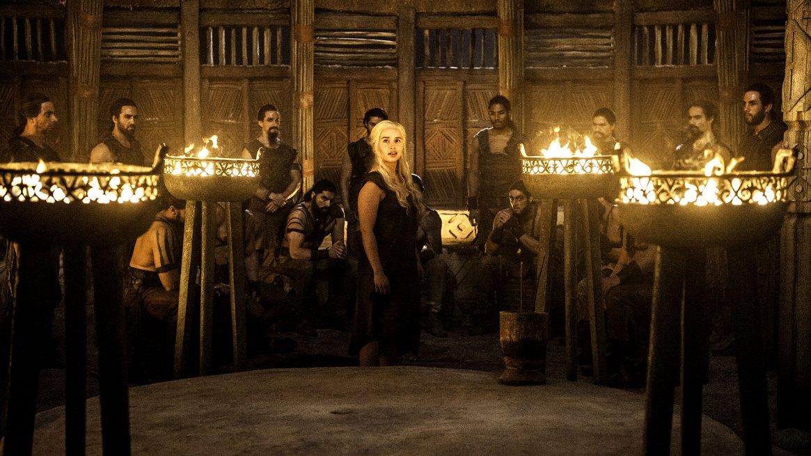 Emily Clarke es Daenerys Targaryen, la Madre de los Dragones, Reina de los Andals, khaleesi y Señora de los Siete Reinos