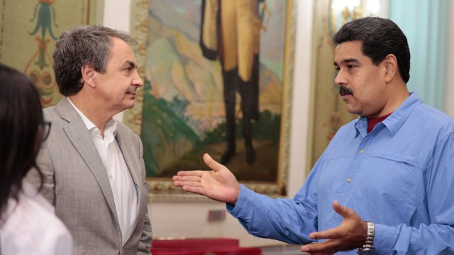 José Luis Rodríguez Zapatero, ex presidente de España; junto a Nicolás Maduro (EFE)